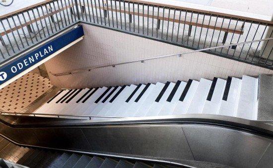 zenélő lépcső
